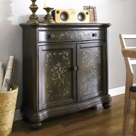 DS-704207  Accent Chest
