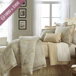 Villa Azzano  Single/Queen Comforter