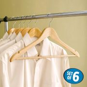P66  Wooden Hanger (6 Pcs 포함)