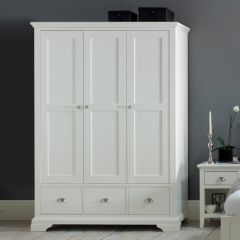HAMPSTEAD 8006-83-3  Triple Wardrobe