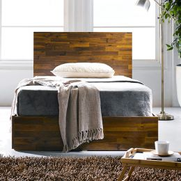 Signature-Q-200  Queen Bed w/ Headboard